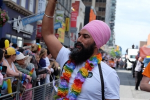 Фото: Wikipedia На фото: Учителя провинции Квебек просят премьер-министра не запрещать ношение религиозной символики