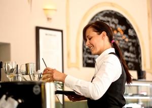 Фото: Pixabay На фото: Несмотря на высокие зарплаты большинство официантов не платят налоги
