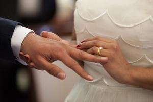 Фото: Pexels На фото: Брачный договор представляет собой письменное соглашение, заключенное парой до вступления в брак