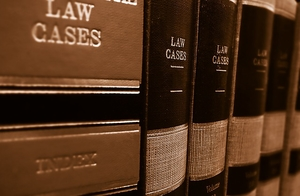 Фото: Max Pixel На фото: Если адвокат требует за услуги более $7.500, скорее всего, он мошенник