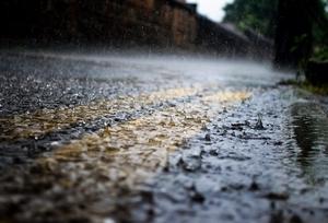 Фото: Twitter На фото: В субботу в столице Онтарио ожидается сильный ливень, температура воздуха днем достигнет отметки в 11°C