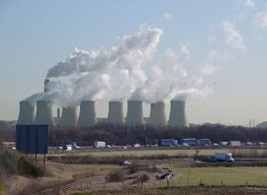 Фото: commons.wikimedia.org На фото: Многие экологи считают, что канадцам нужно перейти на полную электрификацию и отказаться от топлива