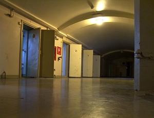 Фото: commons.wikimedia.org На фото: Правительство разрабатывает закон, по которому заключенным, сидящим в одиночных камерах, полагается минимум четыре часа вне камер