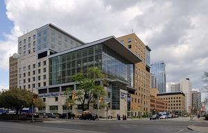 Фото: commons.wikimedia.org На фото: Toronto General Hospital славится своими исследованиями в нескольких областях
