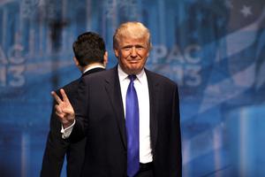 Фото: commons.wikimedia.org На фото: Еще есть слабая надежда на то, что в июне китайские и американские дипломаты договорятся о снижении пошлин