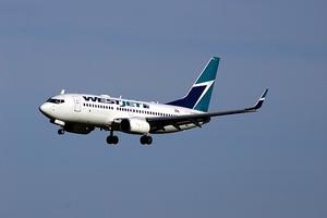 Фото: flickr.com На фото: Несколько лет назад Onex уже пытался купить и объединить Canadian Airlines и Air Canada, но план признали незаконным