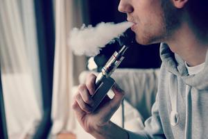 Фото: flickr.com Фото: Около трети старшеклассников Альберты и Квебека курят вейпы